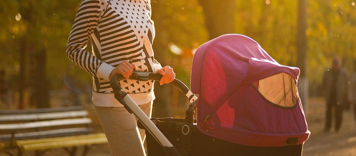 Med visse forholdsregler kan du roligt lade dit barn sove udenfor